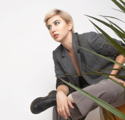 BECK PETE WEARING THE STYLES OF EVERLANE SPEAKS TO THE ADDICTIVE TOXICITY OF RELATIONSHIPS IN HER NEW EP MUSE