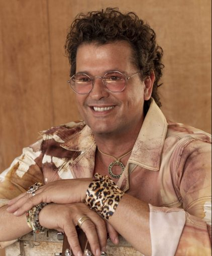 CARLOS VIVES LOOKS TO THE FUTURE ON 'CUMBIANA'