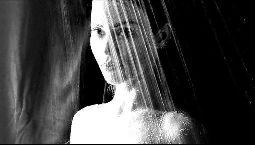 XHOANA X CAPTIVATES WITH SEDUCTIVE MUSIC AND METALLIC VOICE