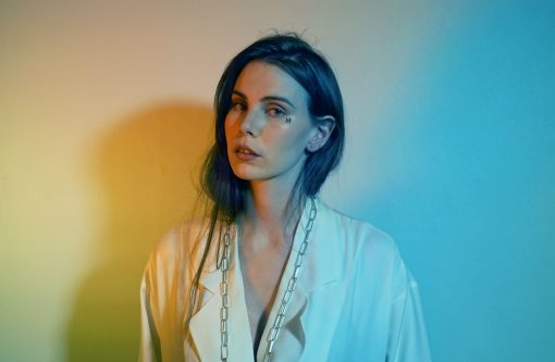 "SKOTT EXPLORES MYTHICAL LOVE ON HYPNOTIC NEW TRACK ""MIDAS"""