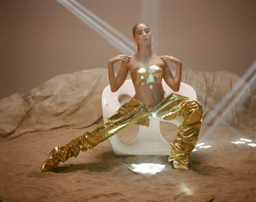 """KARA MARNI TAKES YOU TO SPACE IN """"TRIPPIN"""""""